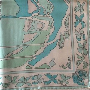 Emilio Pucci 100% silk scarf purchase in Italy